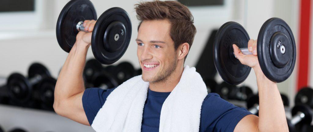 Uomo-sport-alimentazione-pesi-dieta