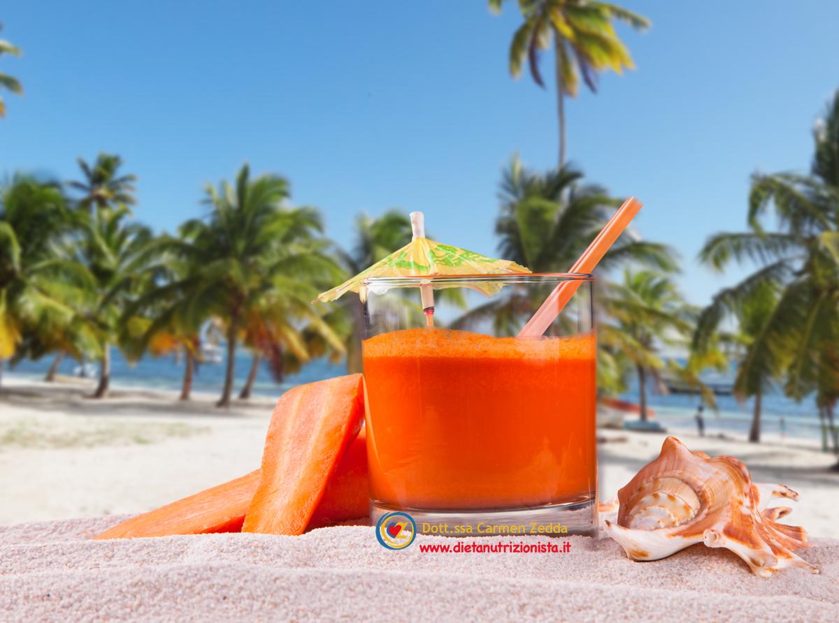 carote-succo-estratto-nutrizionista